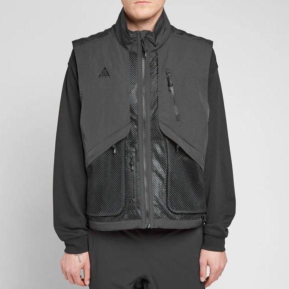 Nike ACG Vest Mens Size XS Triple Black Full Zip